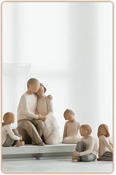 Willow Tree Grandparents with many children grouping. Great gifts for Grandparents' Day September Willow Tree Familie, Grandchildren, Grandkids, Willow Tree Engel, Willow Tree Figuren, Willow Figurines, Perfect Love, My Love, Image Gifts