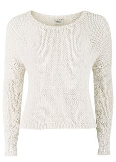 Eco white is a key trend for this Spring and Summer. This Emily is a cropped loose knit jumper with three quarter sleeves. Layer over an organic cotton vest paired with skinny jeans or a pencil skirt.