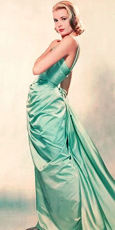 Grace Kelly in Edith Head design for 1955 Oscars