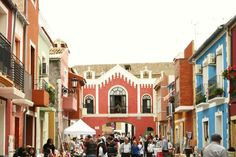 Рынок Merca-de-Arte в Ориуэле | Step to Spain