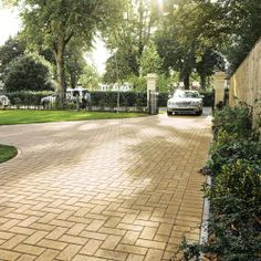 Bradstone, Driveway Block Paving Buff 200 x 100 x 50 - Fully Loaded - Standard - Block Paving
