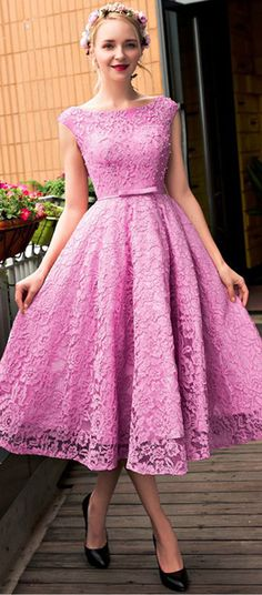 Exquisite Lace Bateau Neckline A-line Homecoming Dresses With Beadings