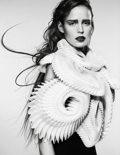 Fashion as Art - wearable sculpture with complex 3D printed structure; architectural fashion design // Iris Van Herpen
