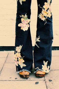☆ 70s ~ flared jeans, gorgeous floral print ☆