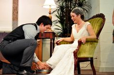 LOVE THIS. washing each others feet at the wedding. this is a must-do.