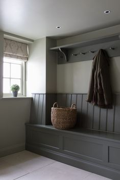 Country House, Hampshire - New Ideas Boot Room Utility, Flur Design, Mudroom Laundry Room, Country House Interior, Hallway Designs, Kitchen Benches, Bespoke Kitchens, Home Projects, Living Spaces