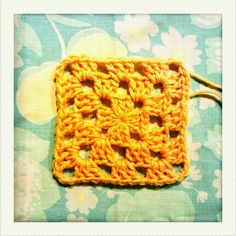 how to: basic granny square by Adaiha, via Flickr