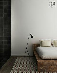 Minimal. White, black, wood. Katty Schiebeck