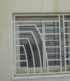 Home Window Grill Design, Window Grill Design Modern, House Window Design, Balcony Grill Design, Grill Door Design, Door Gate Design, House Front Design, Railing Design, Steel Grill Design