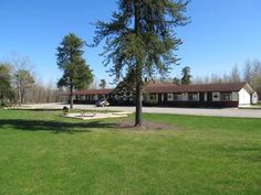 Hide Away Motel Dryden (Ontario) Located on the Trans-Canada Highway, this motel is 4 km from the Dryden Golf & Curling Club. It serves a continental breakfast every morning and features rooms with flat-screen TVs.