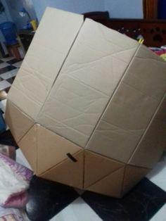 Iglu de carton / Pegamos las solapas