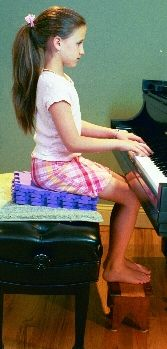 Article about proper seated position at the piano Piano Lessons, Lessons For Kids, Music Lessons, Lets Play Music, Keyboard Lessons, Best Piano, Music School, Piano Teaching, Music Classroom