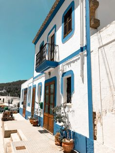 Ibiza isn't just about nightclubs. Here's a mini guide to the different side of Ibiza and the best places to visit on the island. Cool Places To Visit, Great Places, Ibiza Town, Inclusive Holidays, Ibiza Spain, Front Steps, Lost City, Beach Fun, Days Out