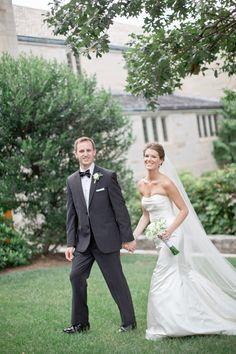 Photography: Harwell Photography - harwellphotography.com  Read More: http://www.stylemepretty.com/2014/05/15/elegant-white-wedding-in-georgia/