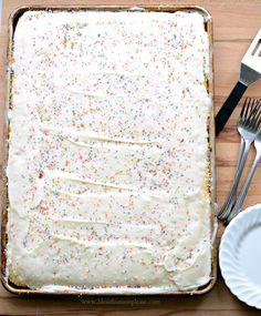 Sheet Cake Pan, Sheet Cake Recipes, Cake Mix Recipes, Recipe Sheet, Baking Recipes, Vanilla Sheet Cakes, Vanilla Cake, Lemon And Coconut Cake, Indian Cake