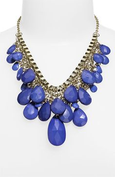 glad my bf has this necklace so i can borrow it! ;)