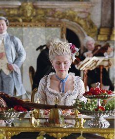 Kirsten Dunst in Marie Antoinette - 2006 Marie Antoinette 2006, Vintage Outfits, Vintage Fashion, Sofia Coppola, Kirsten Dunst, Period Outfit, Enchanted Garden, Drama Queens, Scene Photo