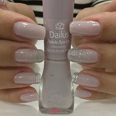 Nail art Christmas - the festive spirit on the nails. Over 70 creative ideas and tutorials - My Nails Perfect Nails, Gorgeous Nails, Pretty Nails, Nagellack Design, Nagellack Trends, Glitter Gel Nails, Nude Nails, Silver Sparkle Nails, Acrylic Nails