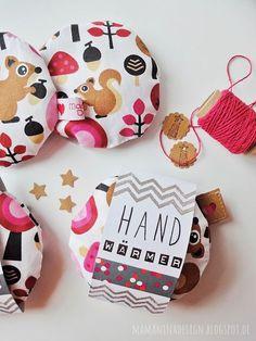 Taschenwärmer selber nähen DIY, Handwärmer für die Jacke, Nähen für Kinder autour du tissu déco enfant paques bébé déco mariage diy et crochet Fabric Crafts, Sewing Crafts, Sewing Projects, Diy Projects, Sewing Tips, Pocket Warmers, Diy 2019, Diy And Crafts, Crafts For Kids