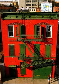 red house Williamsburg, Brooklyn.  Direct.com - No Fee Apartment Rentals in New York City.