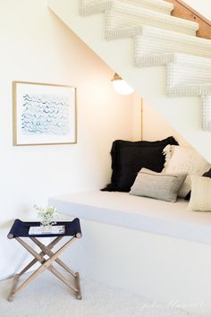 Awesome 42 Charming Reading Nook Design Ideas Under The Stairs. : Awesome 42 Charming Reading Nook Design Ideas Under The Stairs. Under Stairs Nook, Loft Stairs, Signage Light, Reading Nook Kids, Open Staircase, White Light Bulbs, Cozy Nook, Dining Room Lighting, Interior Design