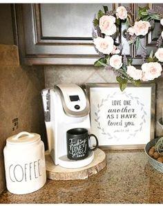 Pretty corner coffee station/coffee bar idea on this kitchen counter