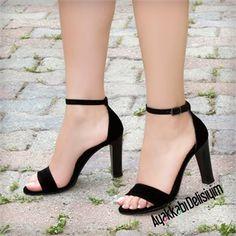 Damenschuhe Labotan suede black footwear with quick heels heels Short Heels, High Heels, Shoes With Shorts, Black Suede Shoes, Black Heels, Slingback Flats, Fashion Heels, Me Too Shoes, Casual Shoes