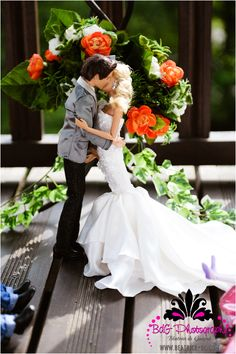 A Barbie and Ken wedding shoot? This is too adorable. Plus, bonus inspiration for future wedding pictures!
