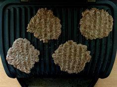 Gegrillte Burger Patties im OptiGrill Big Mac, Korean Diet, Low Carb Veggies, Salmon Dishes, Spinach Dip, Seolhyun, Burger, Flat Belly, Form