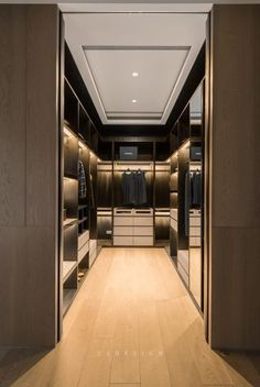 44 walk in closet designs for dream luxury homes 25 Walk In Closet Design, Bedroom Closet Design, Master Bedroom Closet, Closet Designs, Bedroom Wardrobe, Wardrobe Closet, Garderobe Design, Dressing Room Design, Dressing Rooms