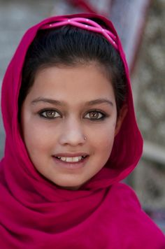 What is so amazing about the Afghan girl photograph?