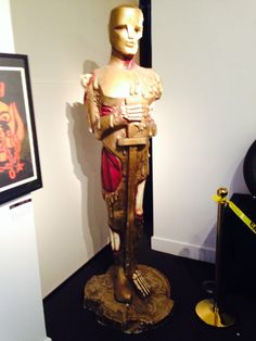 Julians Auctions in Beverly Hills