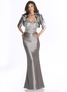 LaPerle 40175: buy this dress for a fraction of the salon price on PreOwnedWeddingDresses.com