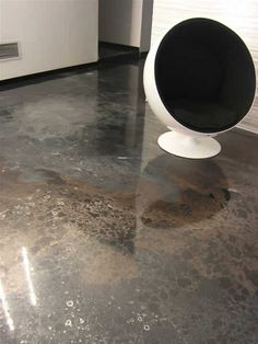 Pavimento in resina, color grigio, effetto marmo