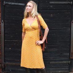 Retroklänning 70-tal Emilia, gul - Odd-Living.com