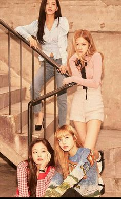 BP Kill this Love is amazing! Kim Jennie, Kpop Girl Groups, Korean Girl Groups, Kpop Girls, Divas, Black Pink Lalisa Manoban, Yg Entertainment, K Pop, Square Two