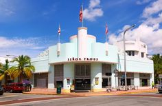 Best Art Deco Buildings in Miami Beach  SENOR FROGS Address: 1450 Collins Avenue  Architect: Henry Hohauser  Inspired by everything from car fenders to airplane noses, proponents of art deco's Streamline Moderne look began to soften buildings' hitherto boxy edges. But when Hohauser designed Hoffman's Cafeteria in 1940 he took modern to the max. The landmark (now Señor Frog's) has a sleek, splendidly curved facade.