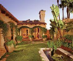 Es el house de Mexico. Es muy antiguo y muy bueno. Es un marron y muy grande. Es la monumento.