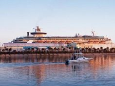 Tampa Cruise Port Review: Parking, Shuttles, Hotels - http://www.cruisedealsinfo.com/tampa-cruise-port-review-parking-shuttles-hotels/#more-2728