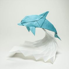44 New Curved Origami Sculptures Using A Wet-Folding Technique By Hoang Tien Quyet Origami Dolphin, Origami 3d, Origami Butterfly, Paper Crafts Origami, Useful Origami, Oragami, Origami Flowers, Origami Birds, Origami Ideas