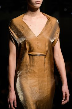 Iris Van Herpen at Paris Fashion Week Fall 2015 - Details Runway Photos