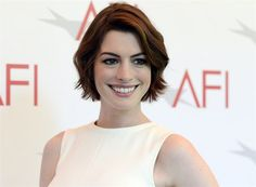 Anne Hathawayová (Los Angeles, 9.ledna 2015)
