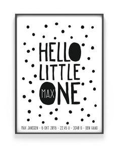 gepersonaliseerde baby geboorteposter Hello little one - baby geboorte kraamcadeau hippe mama's zwart wit stipjes - zelf poster maken bij printcandy