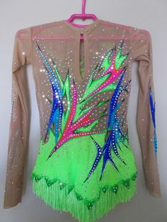 Leotard for rhythmic gymnastics Stomach Muscles, Core Muscles, Very Boring, Rhythmic Gymnastics Leotards, Weight Lifting, Color Change, Your Photos, Cool Outfits, Costume