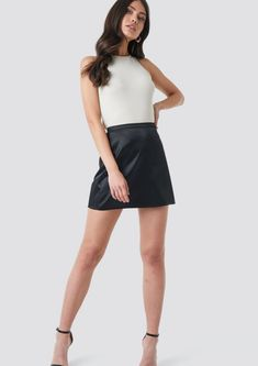 This skirt by NA-KD Trend features a mini length, satin material and a side zipper. Cute Skirt Outfits, Cute Skirts, Girl Outfits, Mini Skirts, Fashion Outfits, Model Poses Photography, Tween Mode, Blonde Hair Girl, Valentines Outfits
