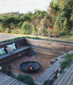 Awesome DIY Kamin Ideen - Outdoor-Feuerstelle mit kleinem Budget - Do It Yourself F - Home . Awesome DIY Kamin Ideen – Outdoor-Feuerstelle mit kleinem Budget – Do It Yourself F – Home Diy Fire Pit, Fire Pit Backyard, Backyard Patio, Backyard Landscaping, Patio Stone, Flagstone Patio, Concrete Patio, Patio Table, Landscaping Ideas