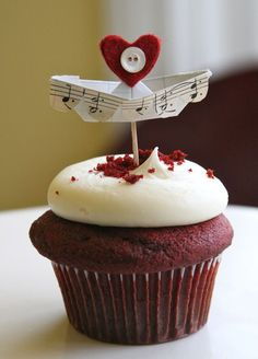Music paper boat and button  would work on cakes, etc too!