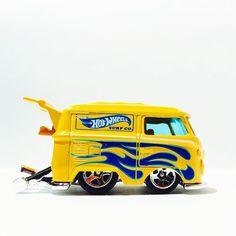 VW Kool Kombi - 5 Pack Exclusive #diecastphotography #diecast #hotwheels #hwc #VW #vdub #volkswagen #toypics #toycrew