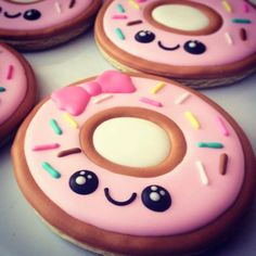 Pink frosted decorated Kawaii donut cookies. Iced biscuits. Galletas decoradas.  Looks like a Shopkins piece. #anthropomorphic