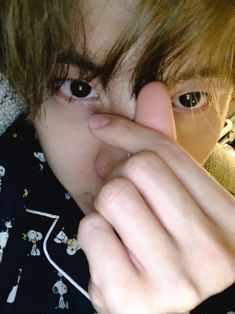 Image about kpop in Jung Hoseok🐿🌞 by ♡Black Swan♡ Namjoon, Taehyung, Seokjin, Gwangju, Jung Hoseok, Mixtape, Foto Jimin, Bts J Hope, About Bts